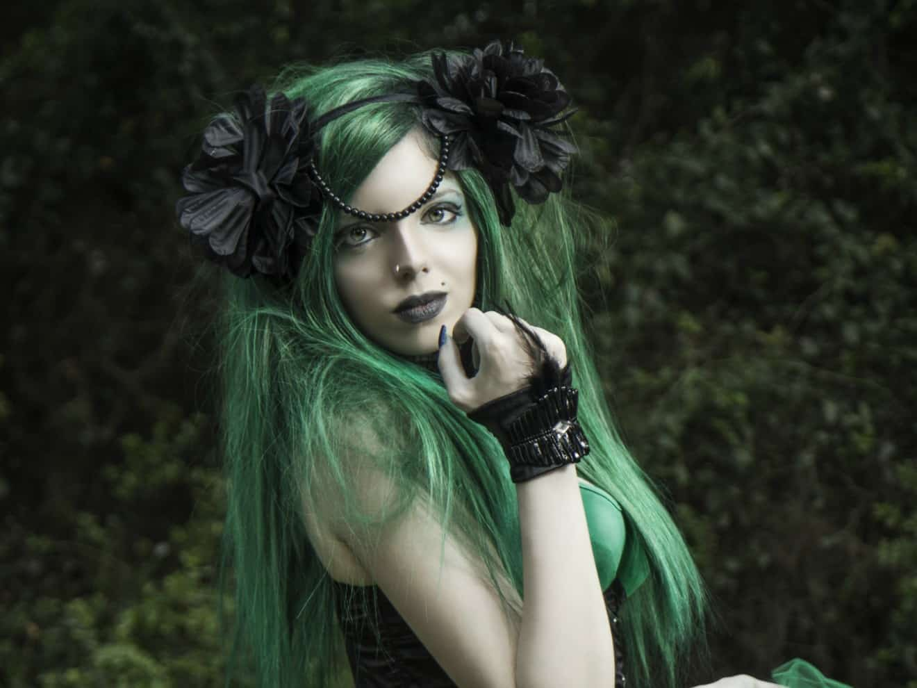 Absinthe and the Return of the Green Fairy, Artemisia