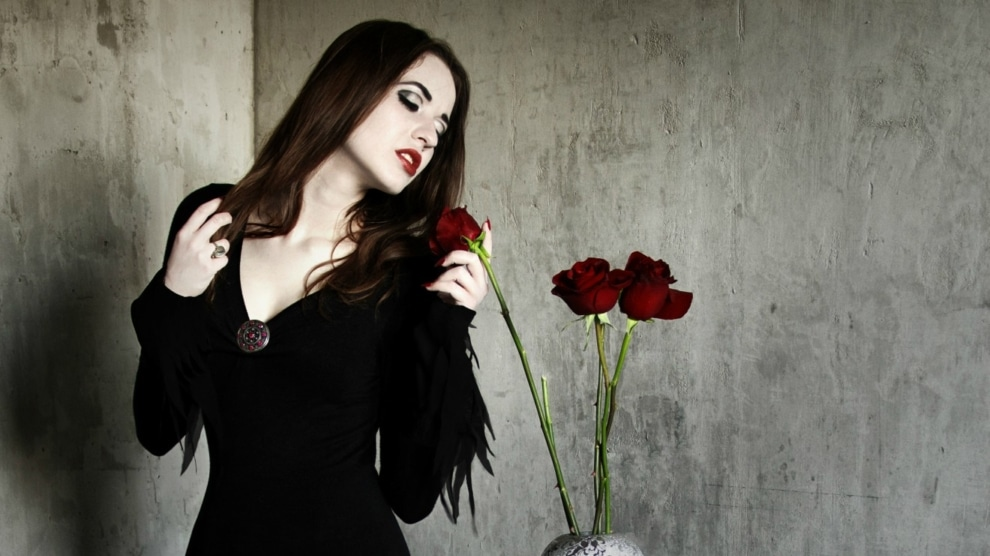 Gothic Fashion Lifestyle and the Undying Subcultural Ethos