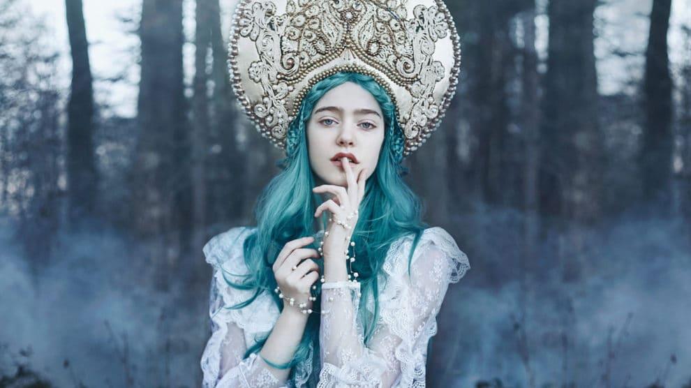 The Origins of the Female Vampire in Literature and Art