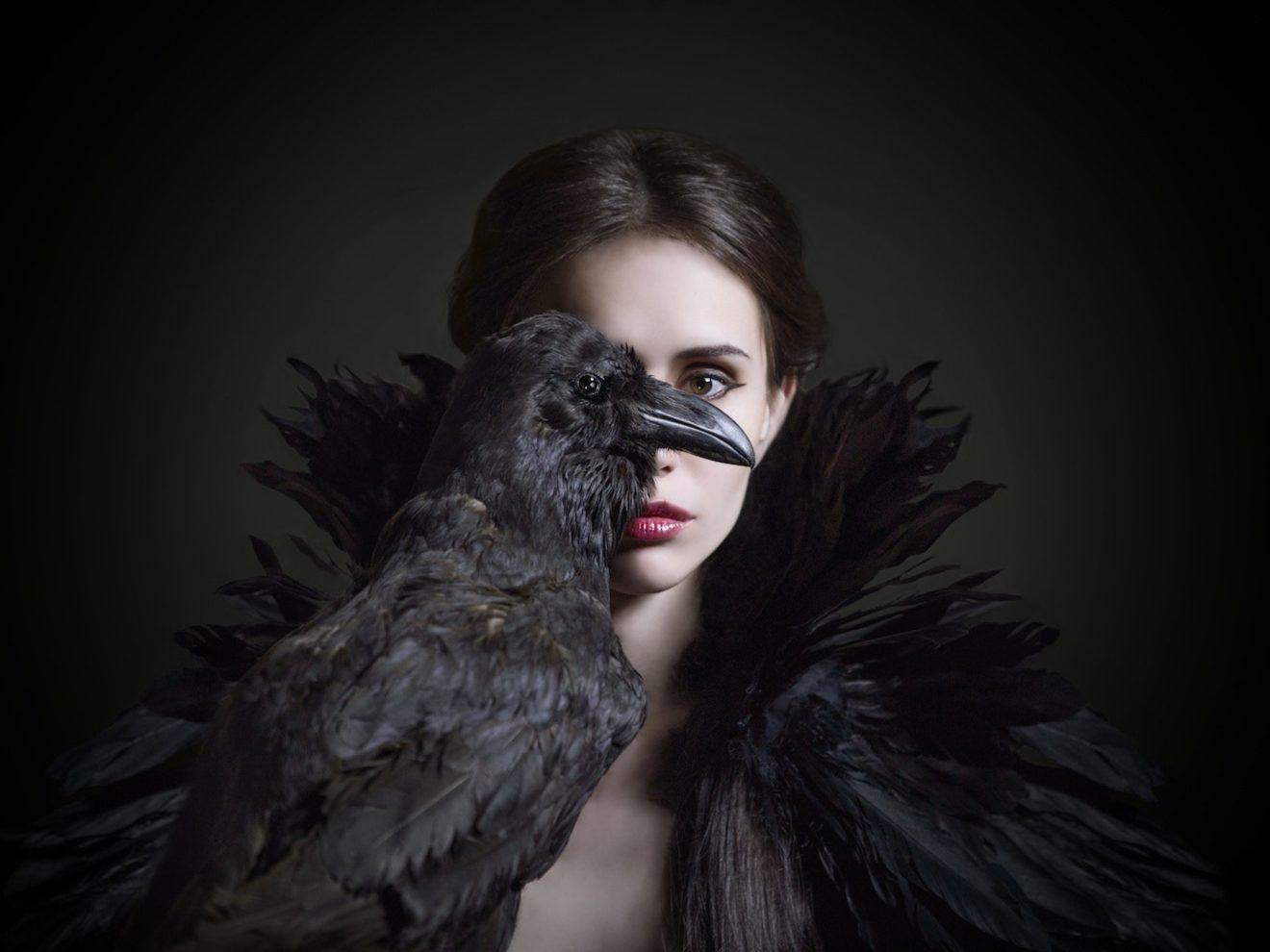 In Gothic Darkly Backgrounds: Heterotopia, History, Culture