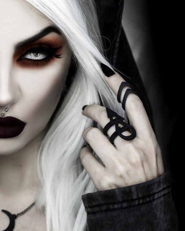 Hunt Midi Ring In Black
