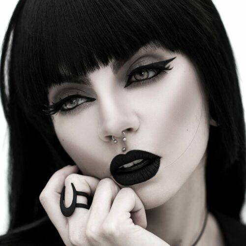 Lupus Ring in Black