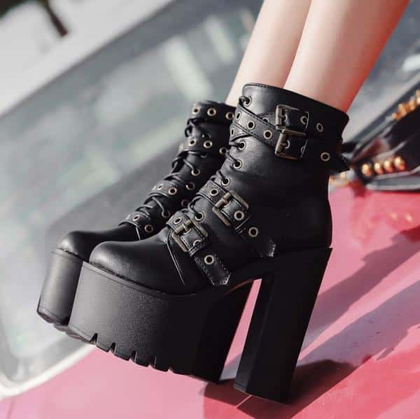 Strap-in Chunky Boots