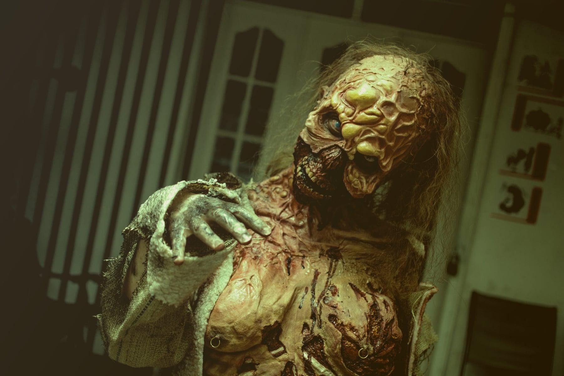 'White Zombie' Review