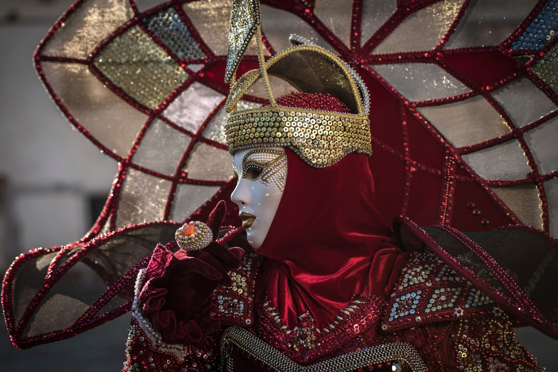 'Something Wicked This Way Comes' and the Gothic Carnivalesque
